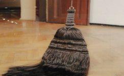Saçını Süpürge Etmek Deyimin Anlamı ve Örnek Cümleler